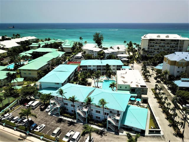 Seven Mile Beach Resort: 2-BR, Sleep 6, Kitchen