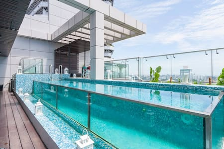 Private Room and balcony in Stunning Penthouse - 新加坡