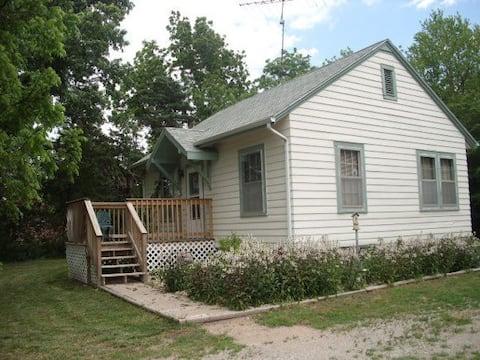 The Cottage at Oak Aven Acres