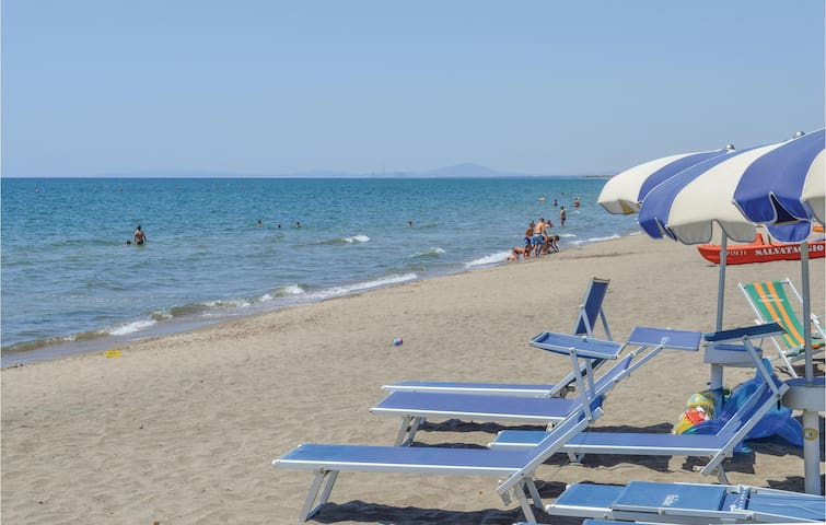 Holiday cottage with 1 bedroom on 55m² in Ostia RM