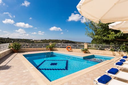 Antigoni Villa, Luxury & Gorge View - Rethimnon