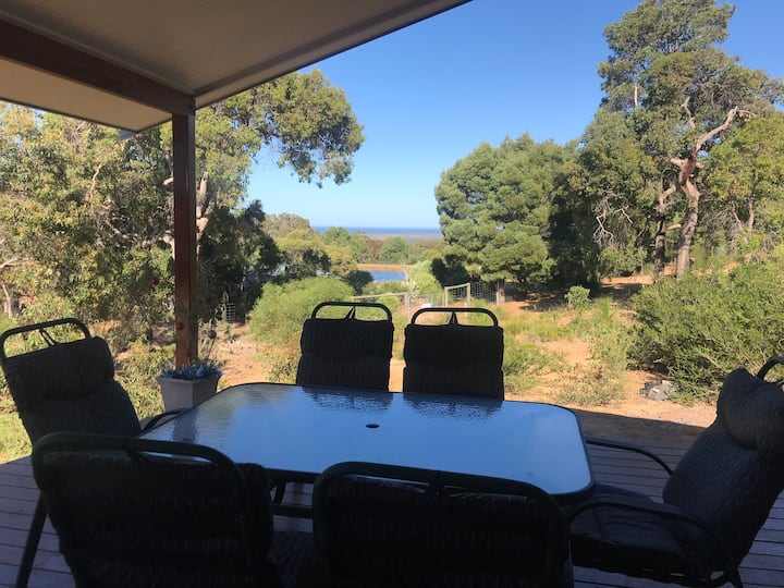 Peaceful Bush Block with views of Geographe Bay