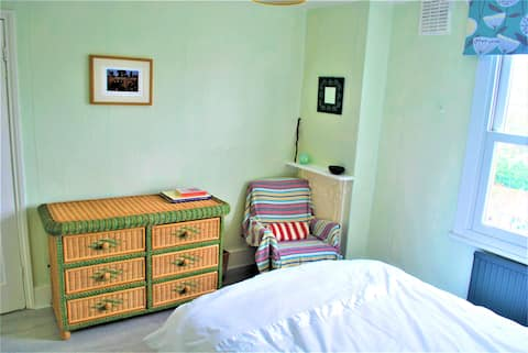 Forest Hill fresh recently refurbished double room