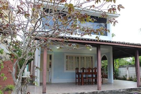Casa duplex 4qts 3wc próxima ao Paiva