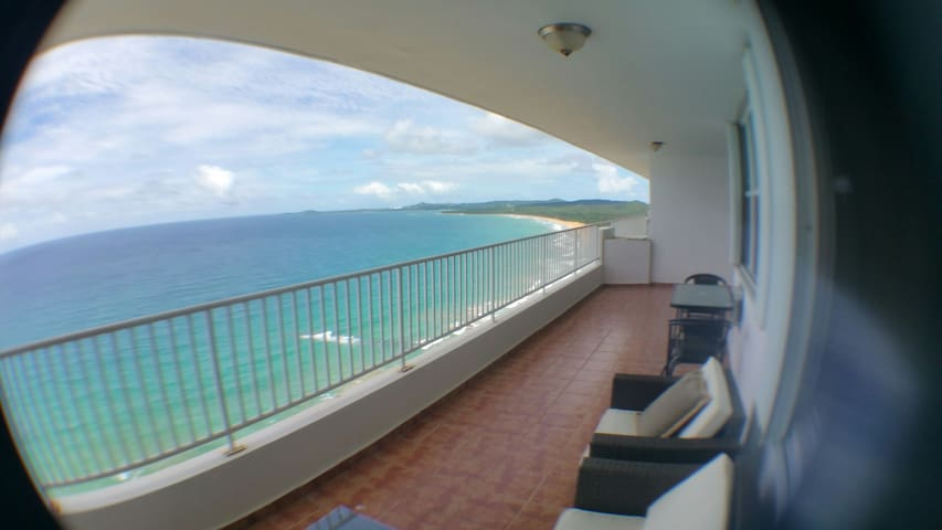 AMAZING BEACH FRONT! PENTHOUSE - Luquillo