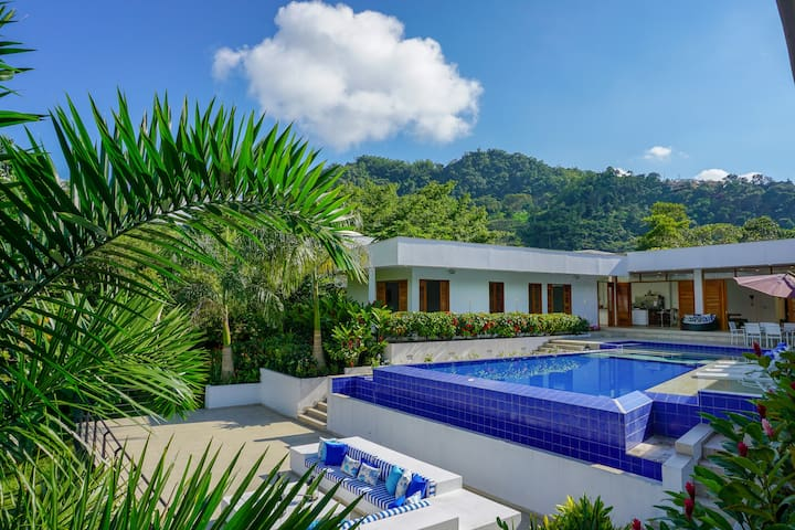 Private, Large & Exclusive Villa in la Vega!