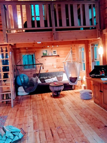 This is another layout of the Treehouse and recent renovation. Take note of the Ship ladder to loft
