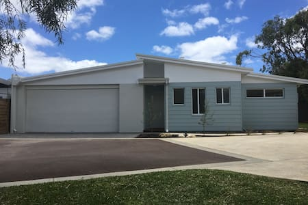 Beautiful Dunsborough Beach House - Quindalup