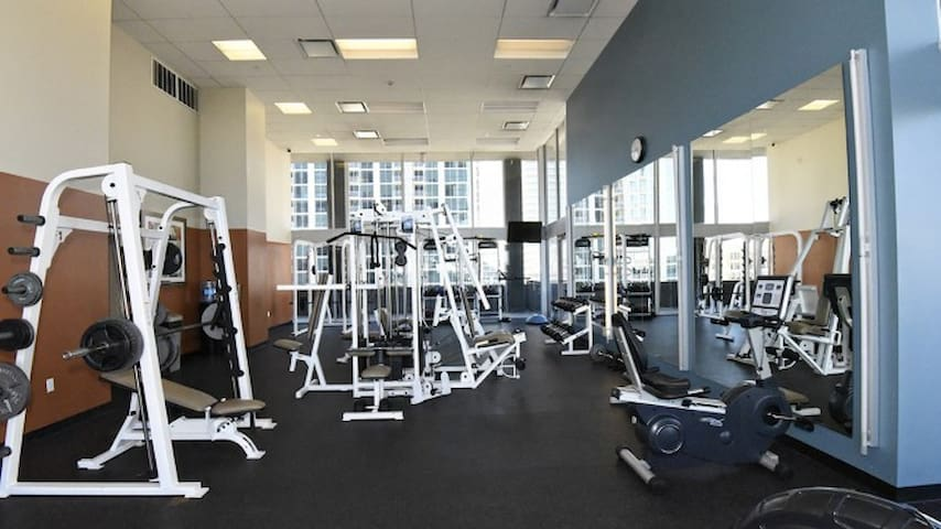 Workout anytime with a state of the art, fully equipped, gym facility !