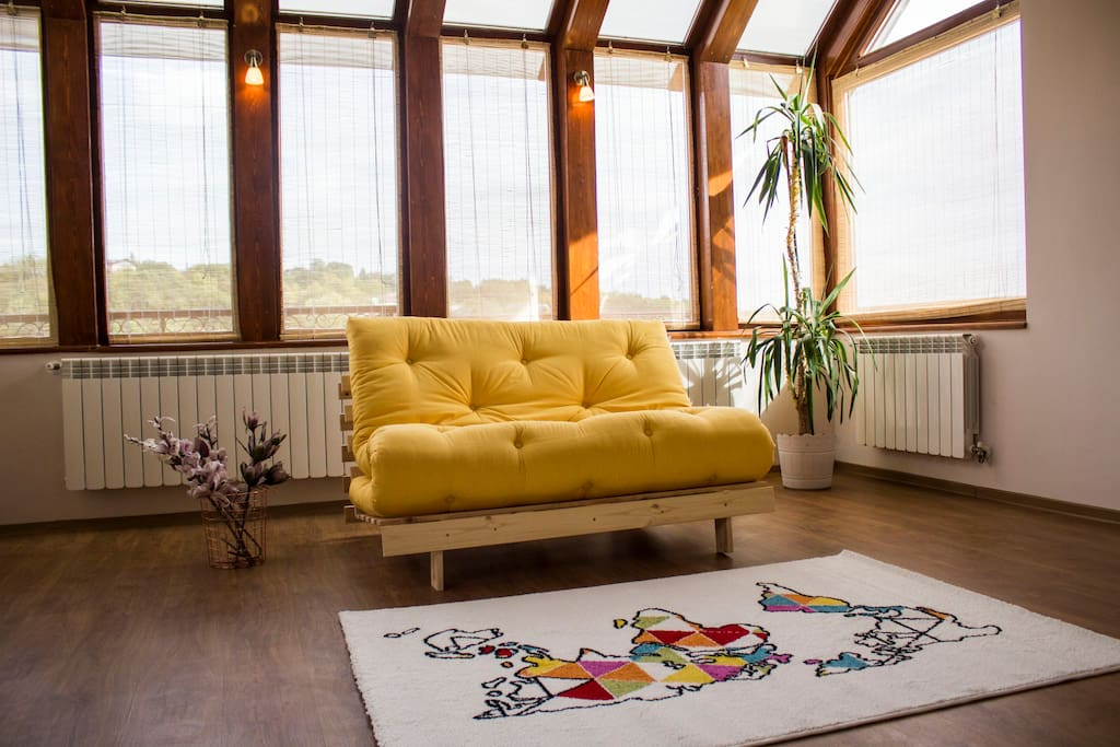at the second floor. The sofa/bed is 140/200 cm