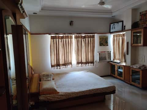 Attractive 3bhk apartment beside Marriott hotel