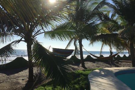 Kauai Beach Bungalow - Monterrico