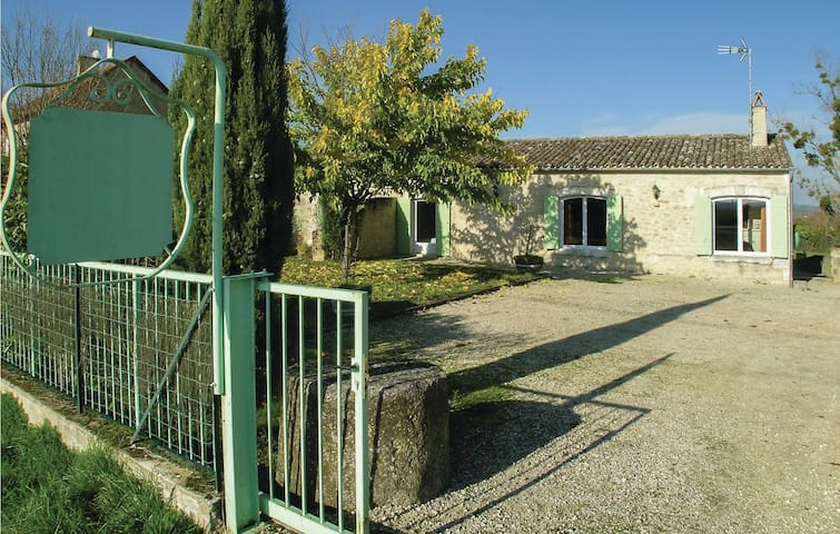 Holiday cottage with 4 bedrooms on 184m² in St Meard de Gurcon