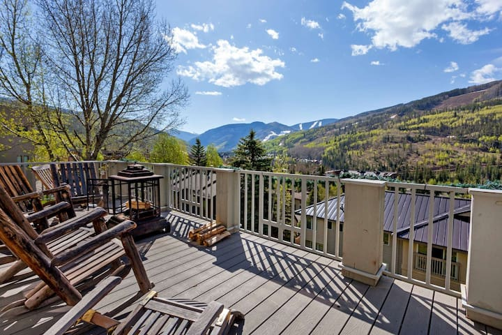 Sandstone Single Family Home, Perfect for Large Groups, Private Hot Tub, Lg deck w/ Mtn Views! - Vail - Casa