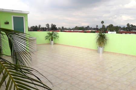 Private Room in Private Roof Garden, near Airport - Ciudad de México - Huoneisto