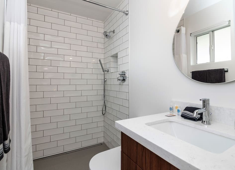 theTempeHouse theMaster en-suite with walk in shower