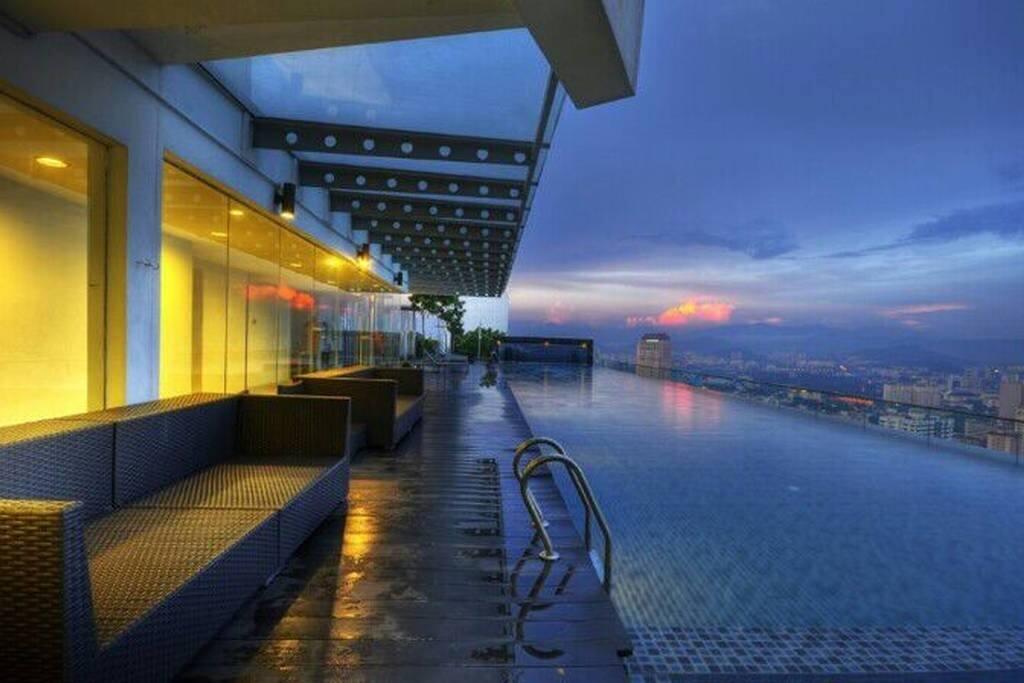 Enjoy the KL View During the Dawn 享受吉隆坡晚霞时的美景