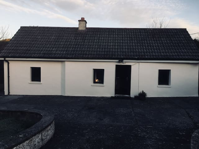 Copper Coast, Greenway, Comeraghs - Cosy Cottage