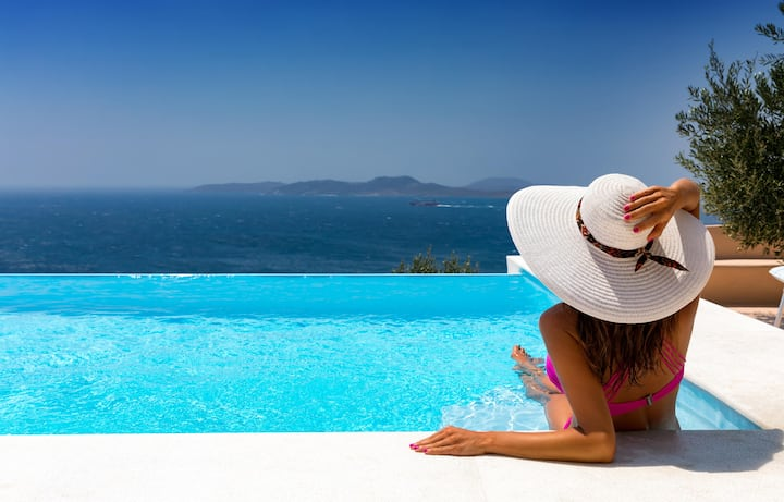 New Property w Infinity Pool Close to Mykonos Town
