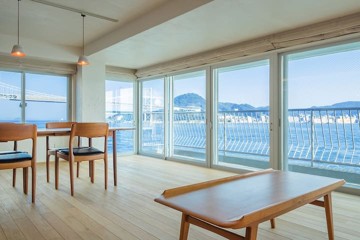 "The deluxe private room of a hostel,""uzuhouse"" - Shimonoseki-shi"