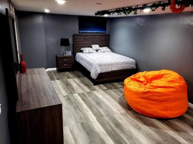 Bedroom #1 One (1) Queen Bed