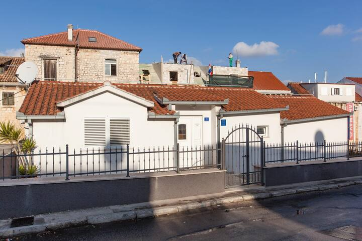 Holiday house Beata - Trogir - Apartment