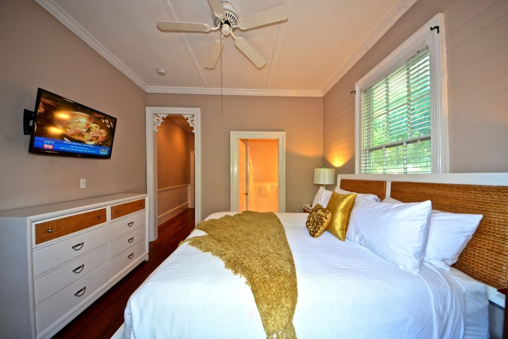suite perfect location guesthouse for rent in key west florida