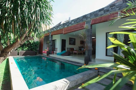2BR Pool Villa.10 min walk to Legian Beach