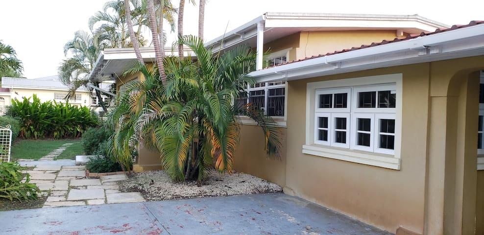 Breezy open plan 3 bedroom Caribbean home