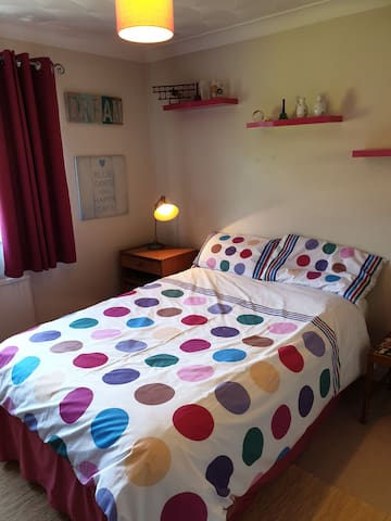 Aysgarth Guest Room 2