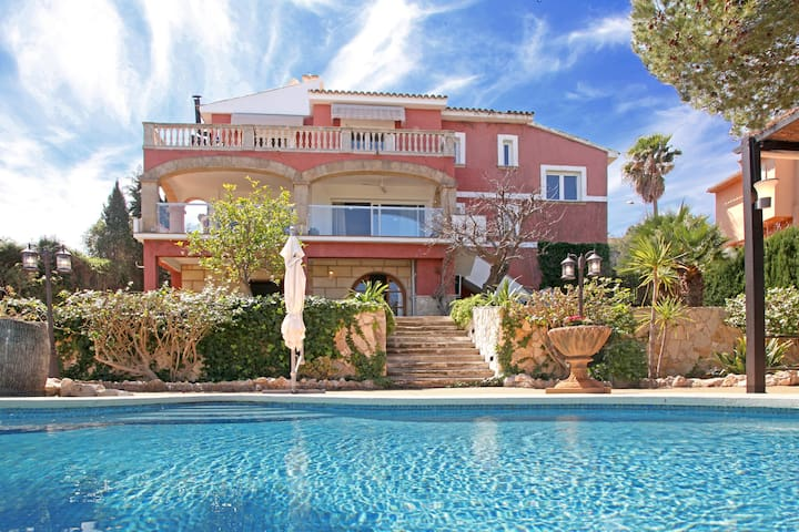 Gorgeous villa with superb sea view - Calvià - Casa