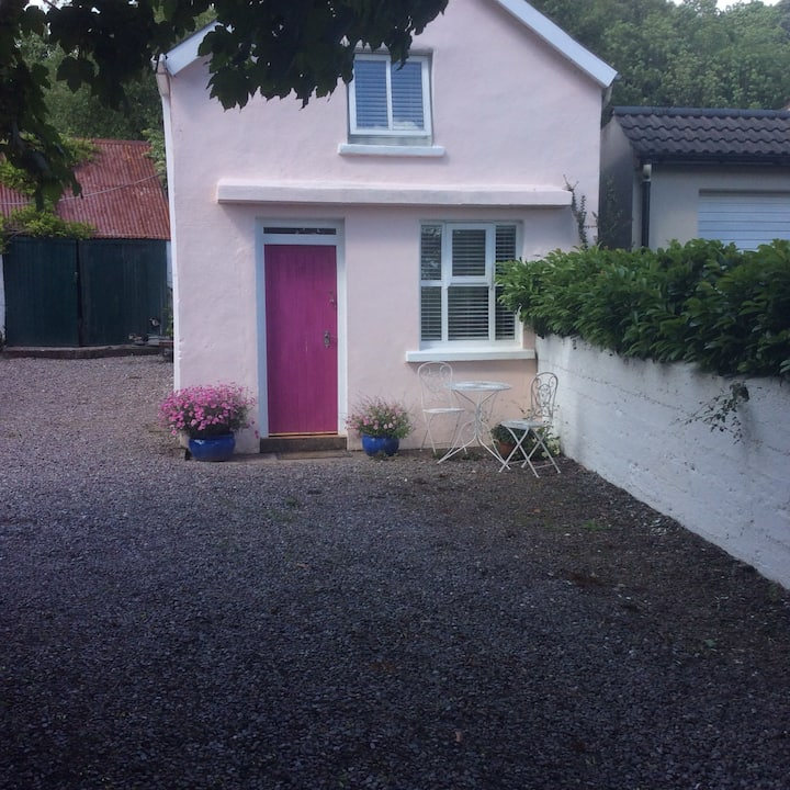 Newly refurbished cosy welcoming country cottage