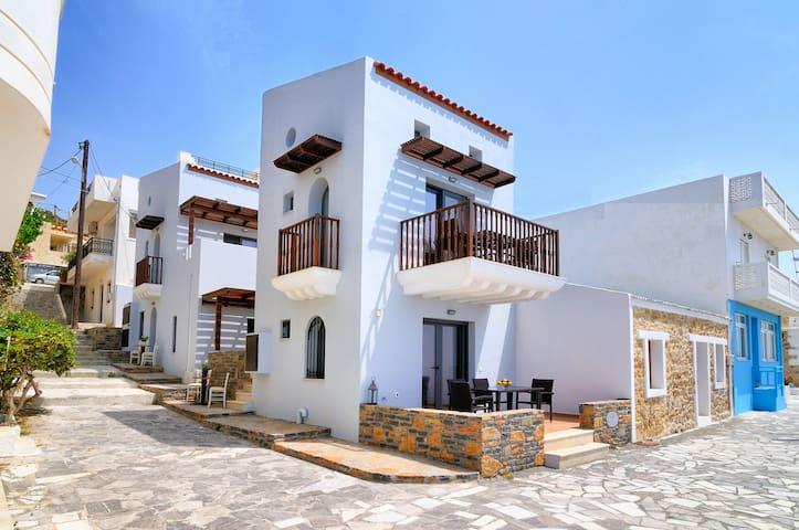 Myrtos Mare Beachfront Villa
