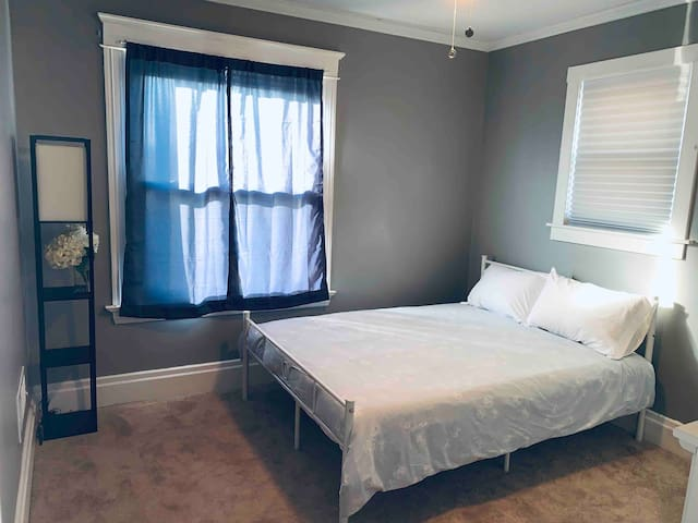 2nd Floor Bedroom - Double Sized Bed