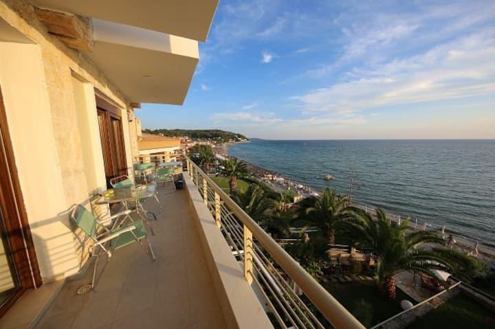 Stylish new apartment. Beautiful sea view.