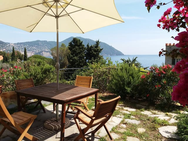 Private Beach Access - Home with Garden - Recco - Hus