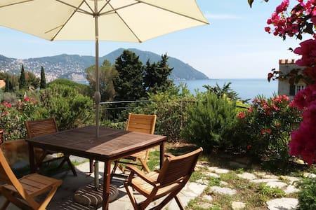 Private Beach Access - Home with Garden - Recco - Hus