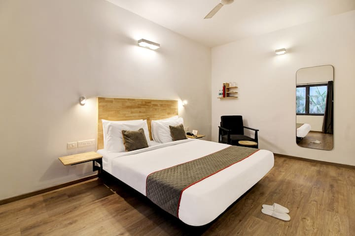 OYO 1BR Luxurious Stay In HITEC City