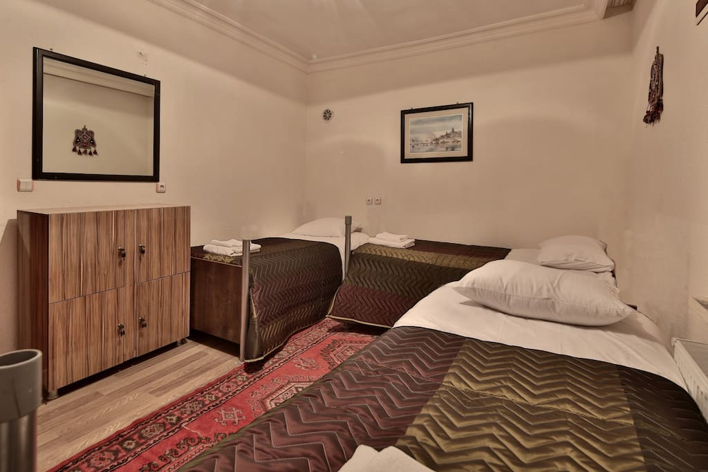 ROOM: Simply furnished but clean and comfortable.  Personal lockers can be used for securely storing laptops, etc.