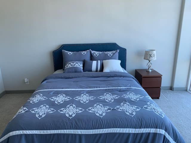 Master Bedroom (River Oaks/Greenway/Upper Kirby)