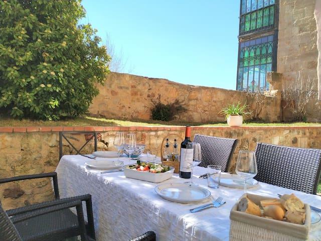 CASA LIS Apartamento con jardín piscina y garaje
