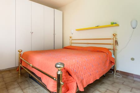 Two  rooms with private bathroom - Pozzale-case Nuove