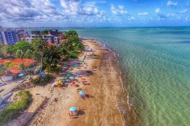 Seu Apê no Caribessa, quase beira mar!