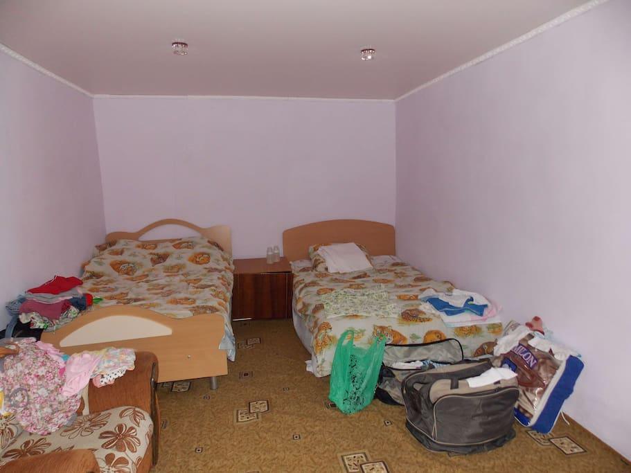 2 2-х спальные кровати
