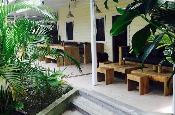 STAY BOCAS FRESH B&B WIFI & AC BOCAS TOWN #2 - Bocas del Toro - Oda + Kahvaltı