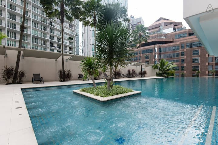 Luxury 2 bedroom apt, 3 min walk to KLCC! - Kuala Lumpur - Apartamento