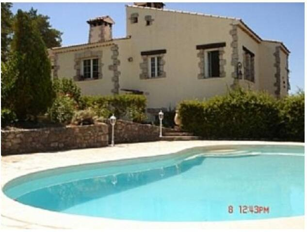Luxury Villa with Private Pool in Medieval Village - Levens