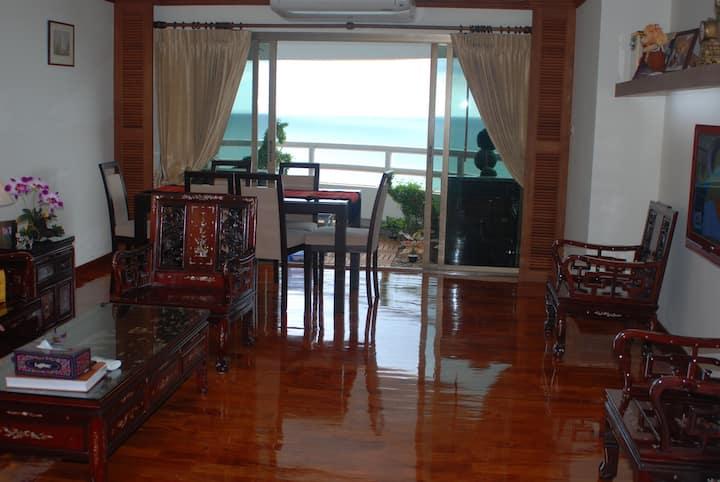 Seaside Luxuary Condominium Seaview Beachfront