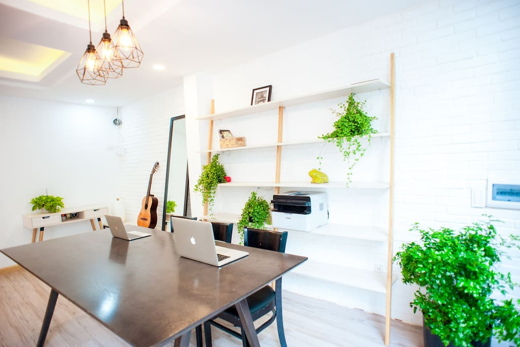 Guests and hosts can use a co-workspace