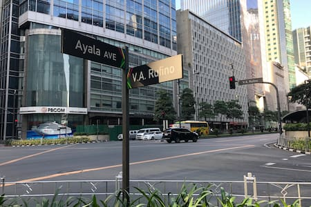 Central Makati, CBD, Greenbelt, New and Fast WIFI